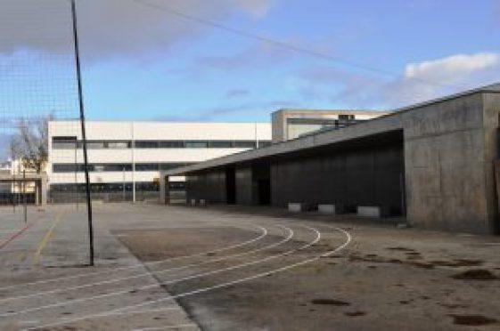 Novas-salas-da-Escola-Secundaria-de-VRSA-300x199