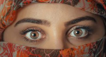 01-beauty-close-up-eyebrows-206388-1076x588